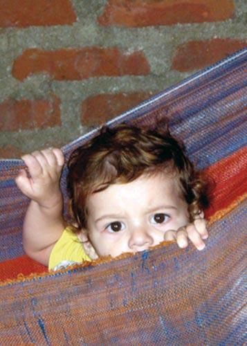 """Fotografía de: Karen Yulissa Morales, Nicaragua. Mensaje: """"Creo que los niños y niñas estamos hechos de la misma forma."""" Karen Principio 1: Todos los niños y las niñas somos iguales sin distinción de sexo, raza, religión o nacionalidad."""